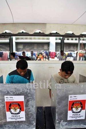 Quick Count SMRC: Puspayoga 50,31%, Mangku Pastika 49,69%