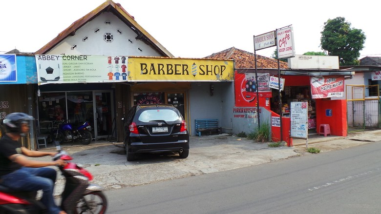 Kisah Luthfi Hasan di Tukang Cukur