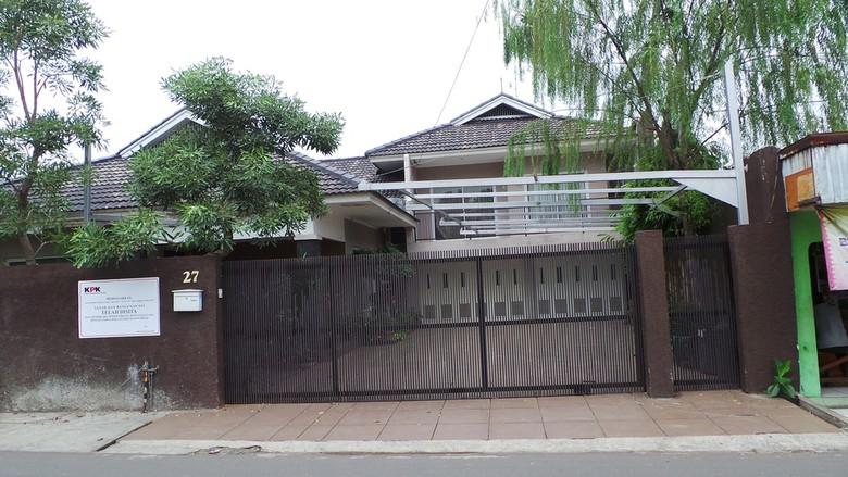 Rumah Luthfi Hasan Resmi Disegel KPK