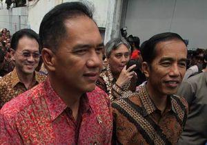 Kandidat Capres Mulai \Serangan Udara\ Sampai Blusukan Ala Jokowi