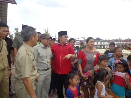 Blusukan ke Kampung, Cagub Eddy Santana Janji Bangun Perumahan Murah
