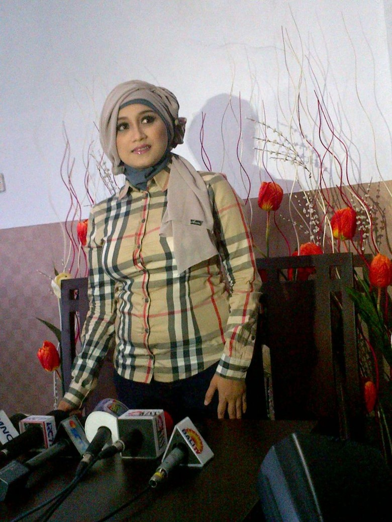 Istri Fathanah Sefti Kini Banjir Job Main FTV
