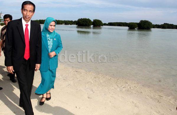 http://images.detik.com/customthumb/2013/06/05/157/Pasir-Perawan-02.jpg?w=600