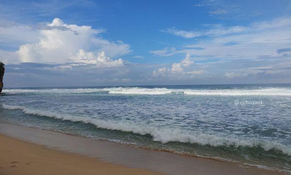 Sepinya pantai ini
