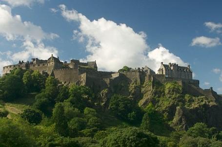 Ini Dia Kastil Paling Berhantu di Inggris