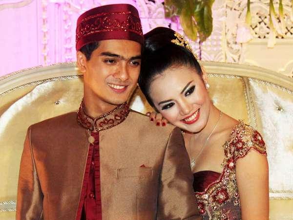 Momen-momen Bahagia Ricky Harun dan Herfiza (II)
