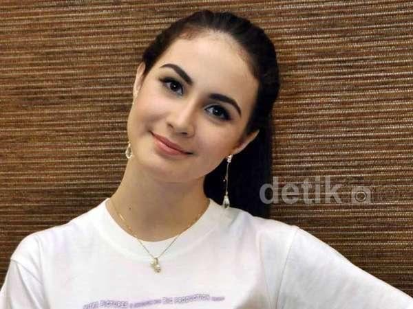 Aih, Cantiknya Arumi Bachsin