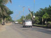 Saking lengangnya, wisatawan bisa memacu kendaraan hingga 80 km/jam di siang hari di tengah kota (Putri/detikTravel)