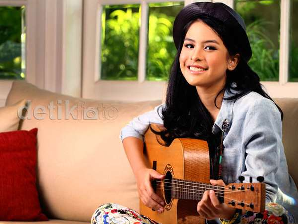 The Multitalented and Fabulous Maudy Ayunda