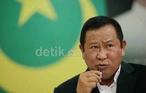 Bawa Satu Kardus Berkas, Pengacara Daftarkan PK Susno di PN Jaksel