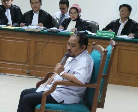 Dua Hakim di Persidangan: Jaksa Penuntut Umum pada KPK Tidak Berwenang Menuntut TPPU LHI