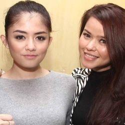 Siti Liza Sahur Bareng Masyarakat Kampung Apung