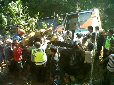 Penumpang Bus Teriak \Allahhuakbar\ Saat Kecelakaan Maut Banyumas