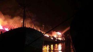 Polda Metro: 7 Kapal Ikan Terbakar, Api Berasal dari KM Cakrawala