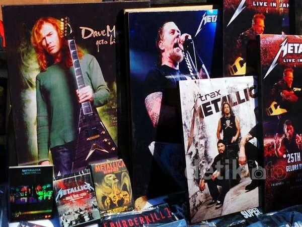 Berburu Atribut Metallica