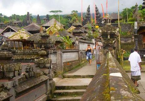 Melancong ke Besakih, Miss World Bakal Pakai Baju Adat Bali