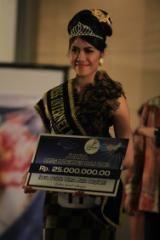 FOTO WINDU MISS INTERNET 2013 PERTAMA DI INDONESIA