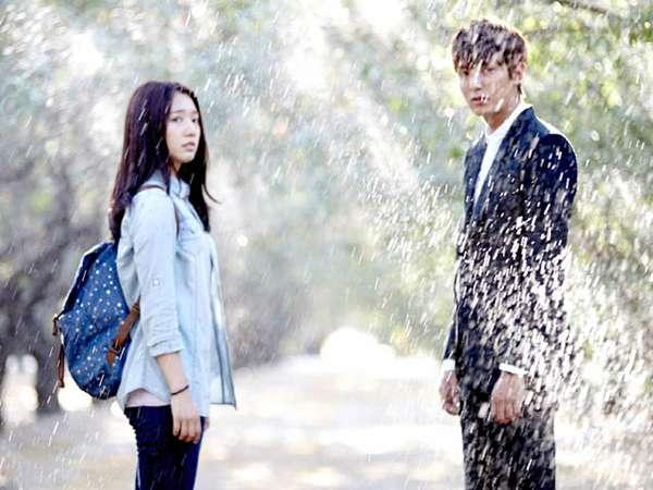 Mengintip Adegan Romantis Lee Min Ho dan Park Shin Hye