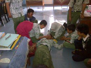 Belasan Siswi SMP di Pekanbaru Kesurupan