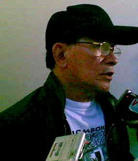 Roy Suryo Antar Jenazah Mun\im Idries ke TPU Menteng Pulo