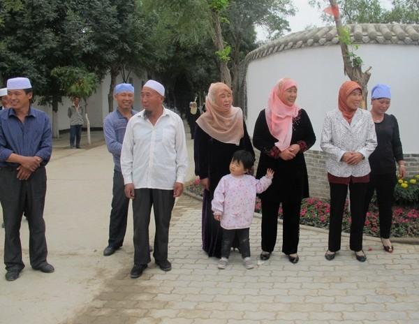 Penuh Damai di Kampung Muslim China