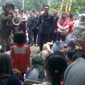 Datangi Ridwan Kamil, Pengemis Minta Gaji hingga Rp 10 Juta