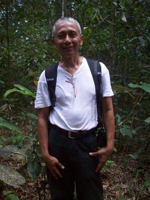 Demi Badak, Pria Ini Menyelesaikan Skripsi di Hutan