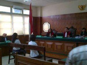 Julita Siap Bertarung di Pengadilan Lagi Demi Tali Pusarnya yang Hilang