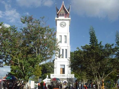 Jam Gadang di Bukittinggi, Saingannya Big Ben di London