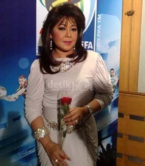 Penyanyi Senior Diana Nasution Meninggal Dunia