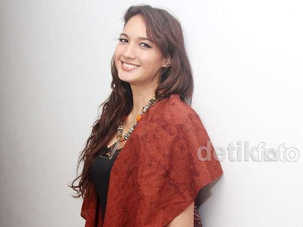 Nadine Chandrawinata Jadi Duta Wisata