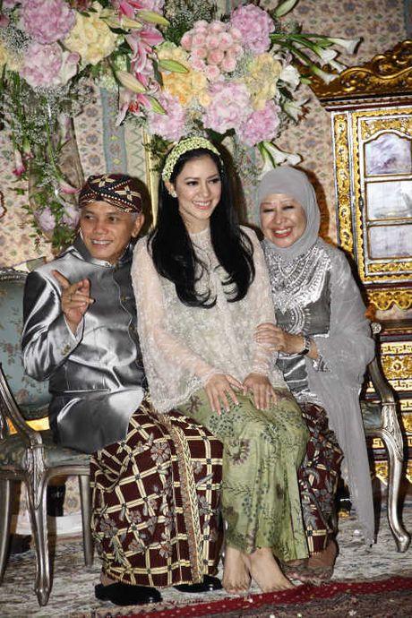 VIDEO ACARA SIRAMAN SITI NOOR AZIMA RAJASA Pernikahan Azima Rajasa Dan Audy Satria Wardhana