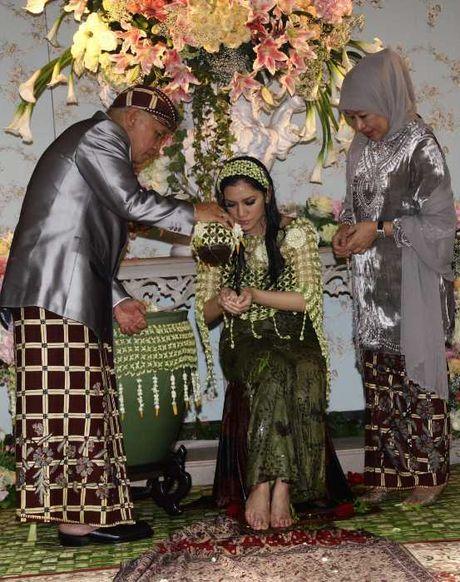 Youtube Pernikahan Azima Rajasa Dan Audy Satria Wardhana