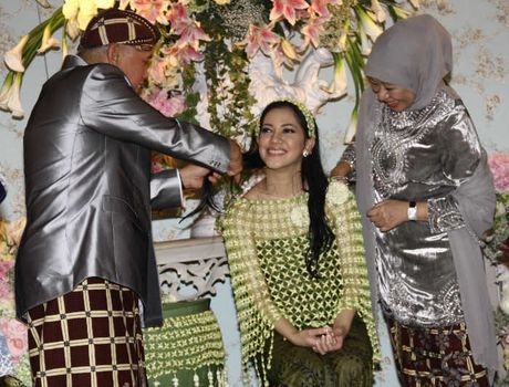Foto Pernikahan Azima Rajasa Dan Audy Satria Wardhana