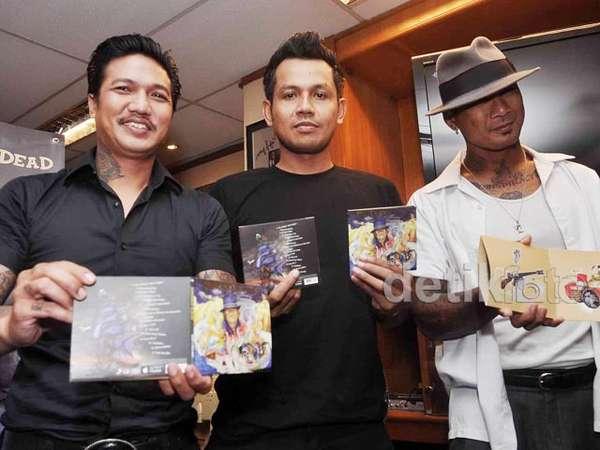 Sunset di Tanah Anarki, Album Baru Superman Is Dead