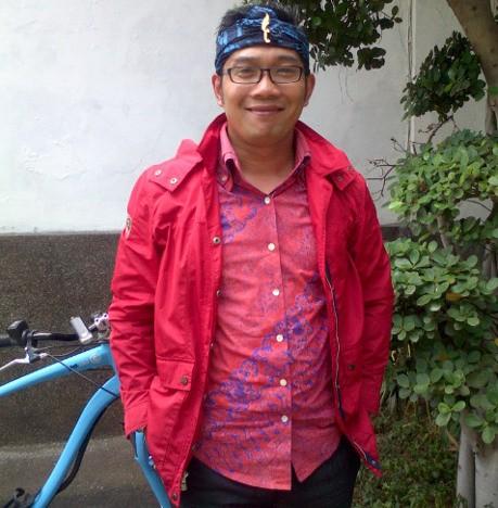 Ridwan Kamil Segera Perwalkan Pakai Iket Setiap Rabu