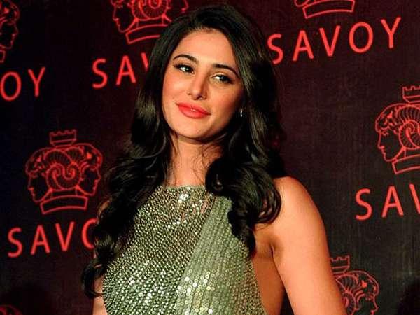 Cantiknya Aktris Bollywood Nargis Fakhri