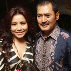 Mayangsari dan Bambang Tri Tampil Mesra di Pernikahan Shireen Sungkar