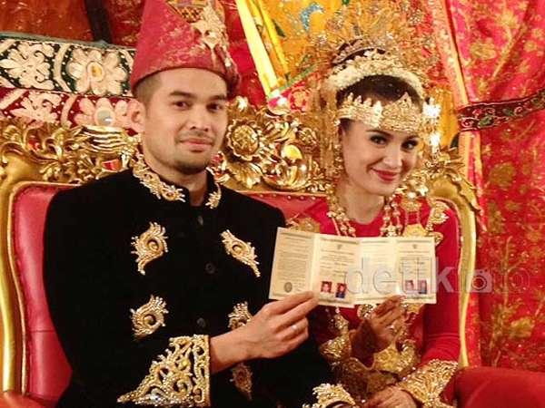 Shireen Sungkar dan Teuku Wisnu Resmi Menikah