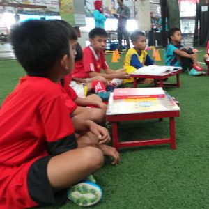 Berprestasi di Sepakbola Oke, Tapi Jangan Lupakan Pendidikan