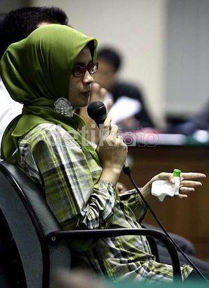 Beri Keterangan Beda, Sekretaris Wa Ode Tersudut di Sidang Haris Suharman