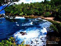 Libur Natal Menikmati Pantai di Ambon