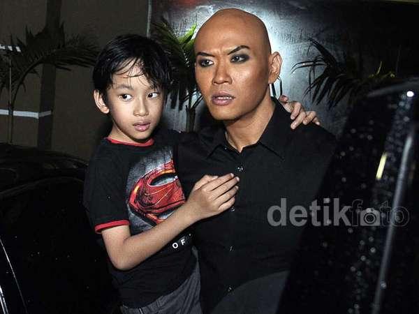 Deddy Corbuzier dan Anak Laki-lakinya