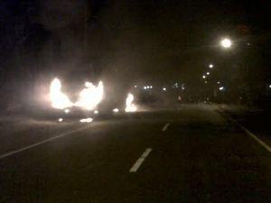 Bus Sugeng Rahayu Dibakar Massa Usai Tabrak Pesepeda Motor