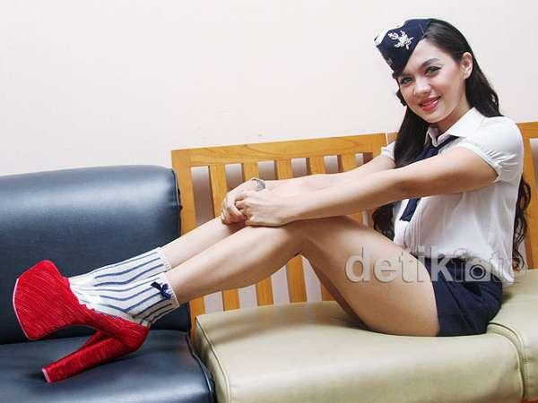 Vicky Shu si Pelaut Seksi
