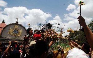 Doa Belum Selesai, Ribuan Warga Langsung Menyerbu Gunungan Keraton