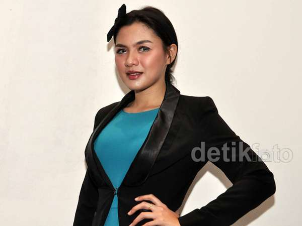 Vicky Shu Chic Dibalut Dress Peplum