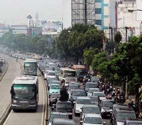 Bikin Tambah Macet, Kebijakan Mobil Murah Digugat ke MA