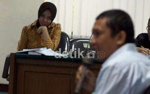 Makelar Suap DPID Haris Surahman Dituntut 3,5 Tahun Penjara