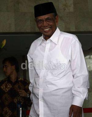 Hasyim Muzadi: KH Sahal Mengayomi Siapa Saja dengan Keleluasaan Pikiran